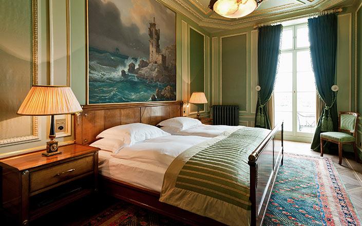 suite les trois rois des luxushotels basel grand hotel les trois rois basel. Black Bedroom Furniture Sets. Home Design Ideas